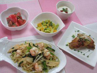 ★季節ごはん★ エスニック料理~和風までサッと作れるおススメ料理~ 【開催中止】                料理内容は下記の<過去の料理教室はこちら>でご紹介しています