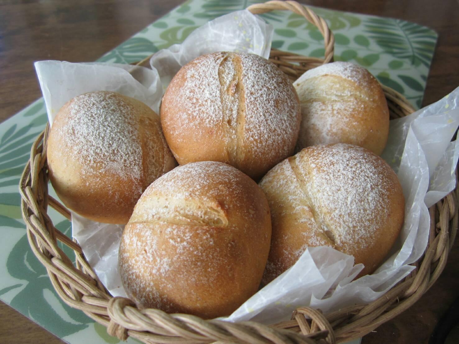 手ごね♦パン・ランチ